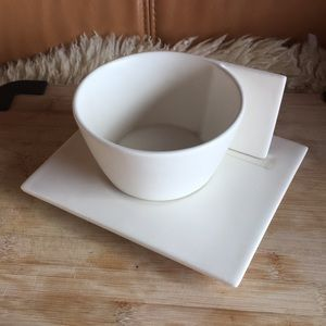 Contemporary Tea Cup and Saucer (2)